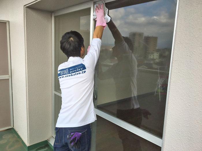 画像:窓ガラス清掃